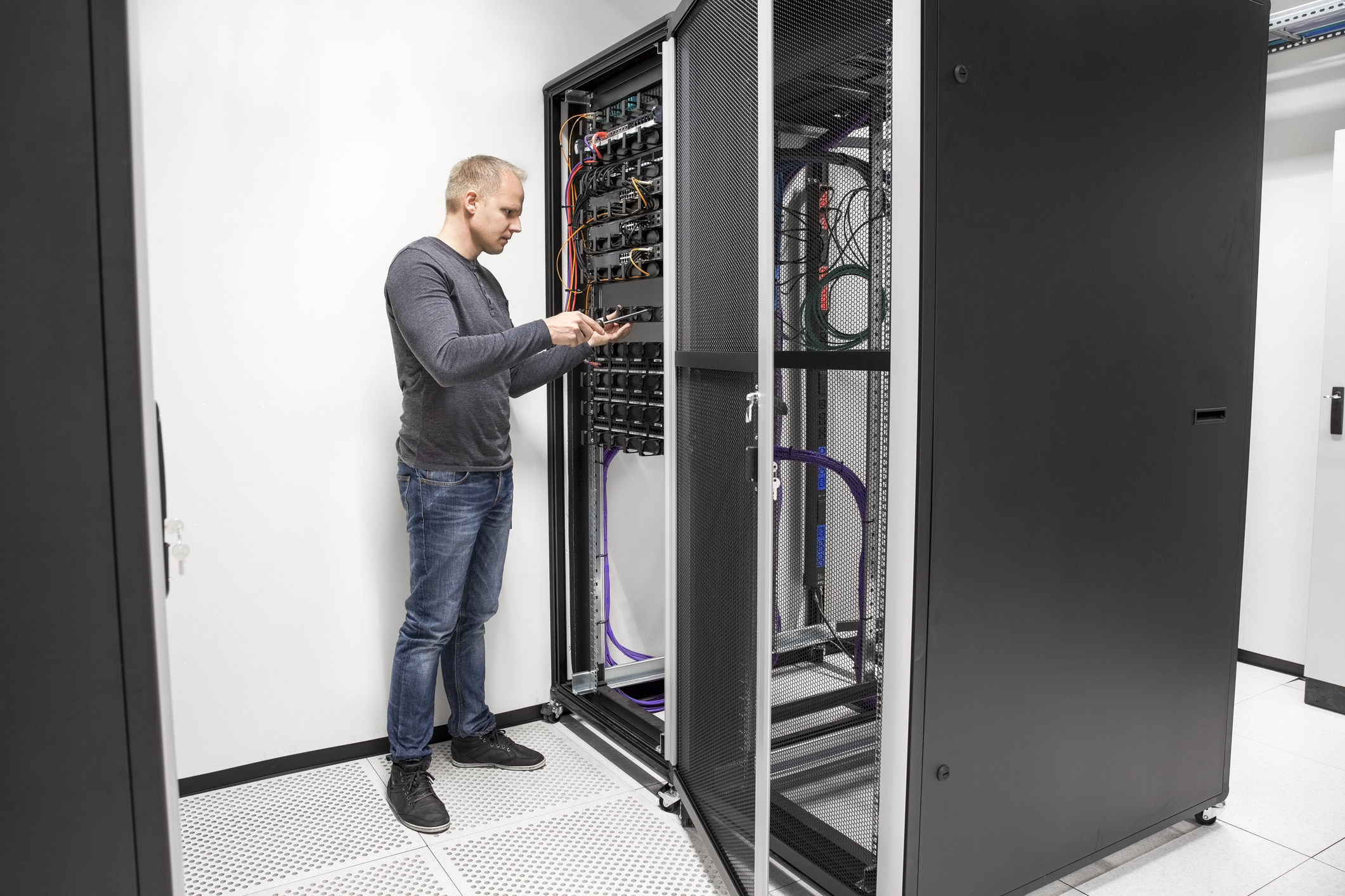 Network Rack and Cabinet